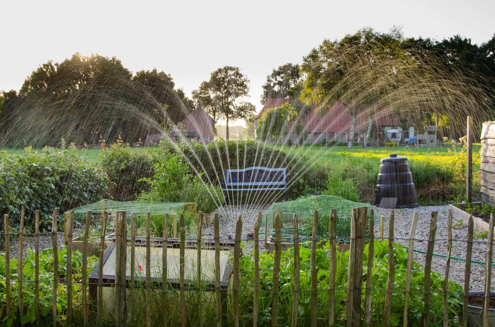 2 Armen Rasensprenger Gartensprenger Sprinkler Bewässerung Garten Kreisregner m