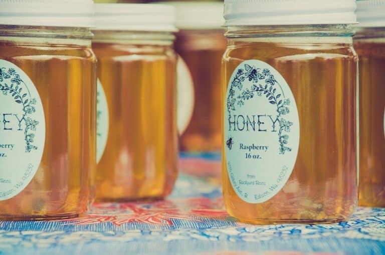 Honig in Gläsern