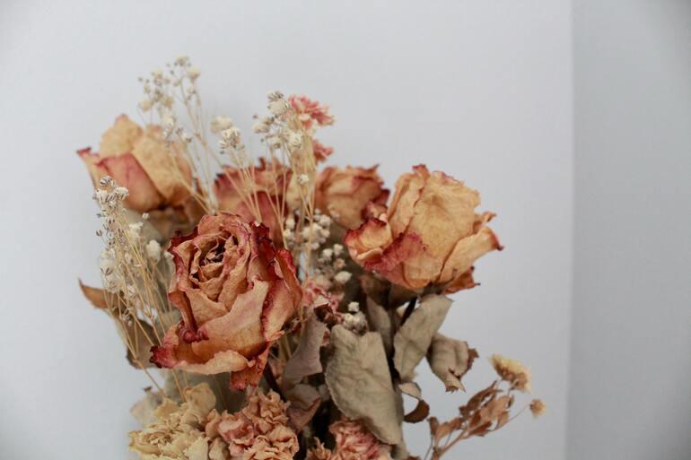 Blumenstrauß trocknen